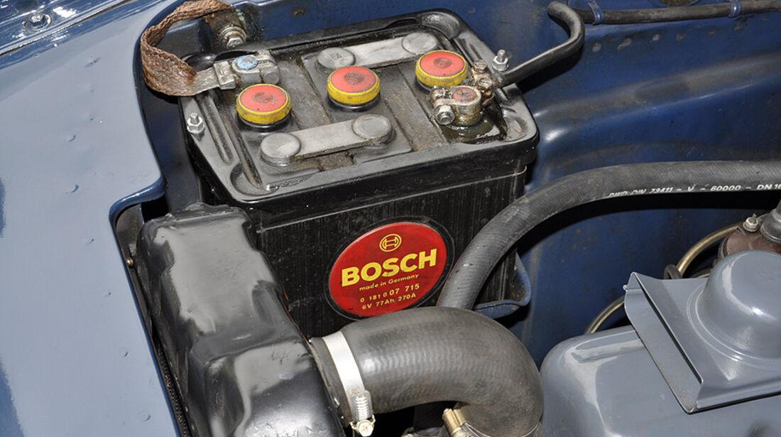 Batterie im Opel Rekord