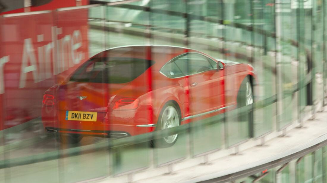 Bentley Continental GT, Seitenansicht, hinter Glas, Kurvenfahrt