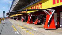 Boxengasse - Formel 1 - GP Spanien - Barcelona - 8. Mai 2014