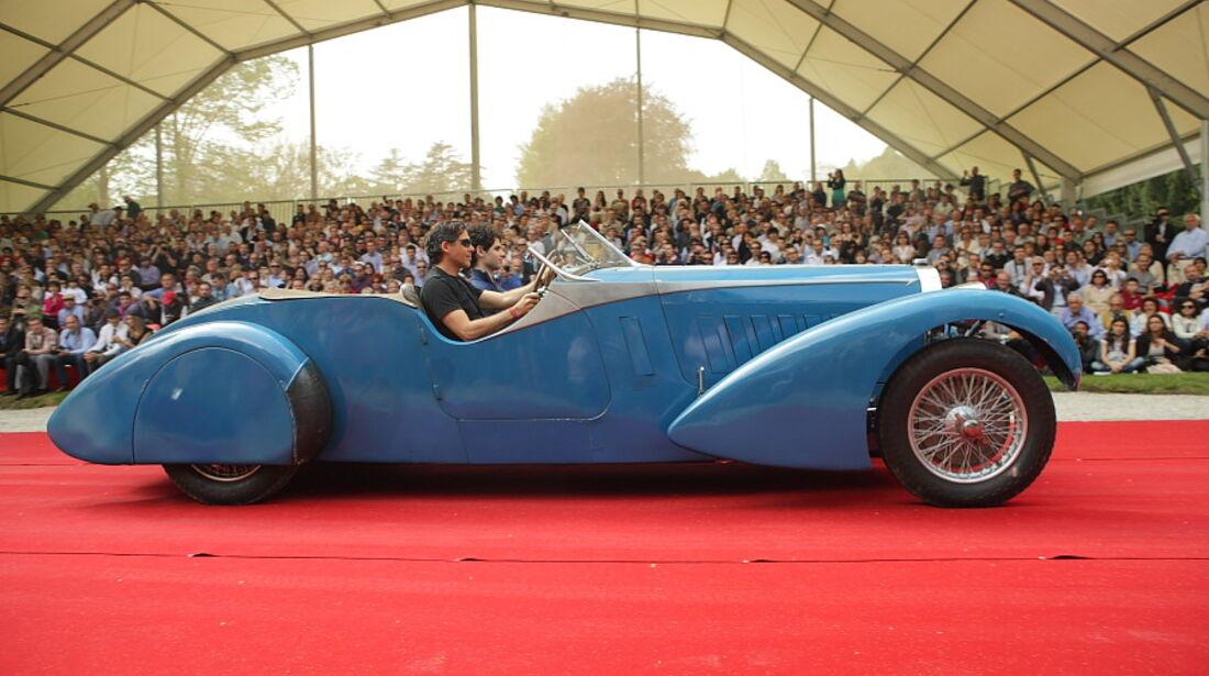 Bugatti Typ 57 TT (1935) mit Bertelli-Karosserie aus England bei der Villa Erba Villa d'Este 2010.