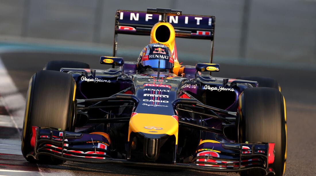Carlos Sainz - Red Bull - F1 Test - Abu Dhabi - 2014