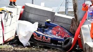 Carlos Sainz - Toro Rosso - Unfall - GP Russland - Sochi - Samstag - 10.10.2015