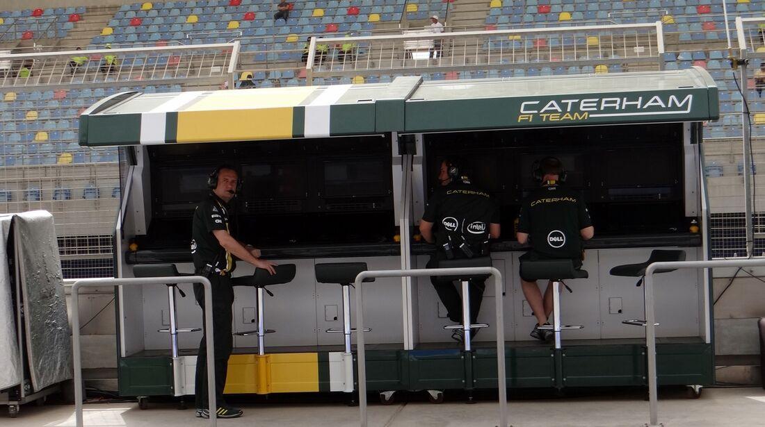 Caterham Kommandostand - Formel 1 - GP Bahrain - 20. April 2012