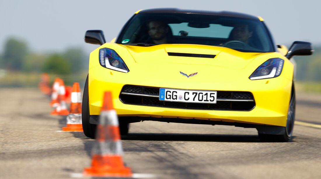 Chevrolet Corvette Stingray, Frontansicht, Slalom