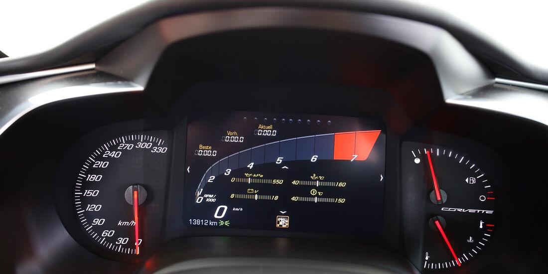 Chevrolet Corvette Stingray, Rundinstrumente