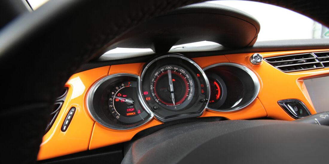 Citroen DS3 Racing, Tacho, Anzeigeinstrumente