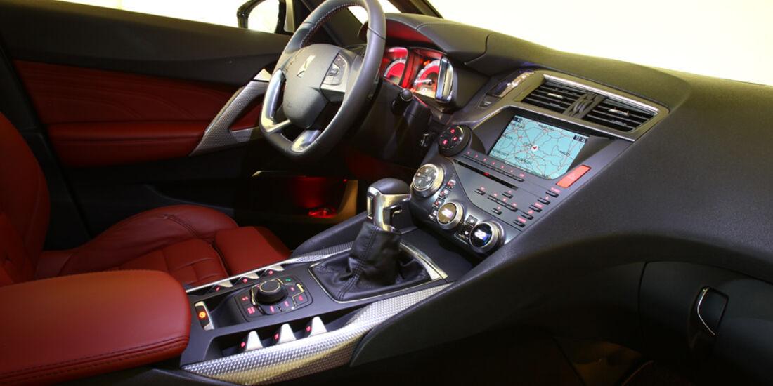 Citroen DS5 THP 200, Cockpit