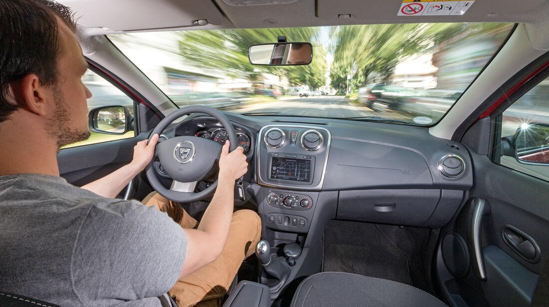 Dacia Logan MCV TCe 90, Cockpit, Fahrersicht