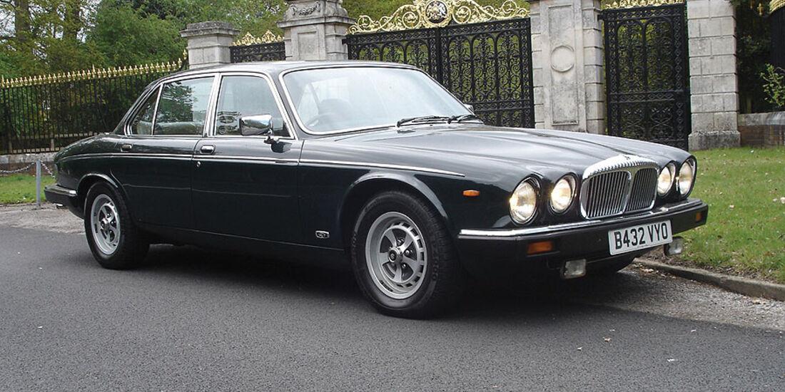 Daimler Double Six Long-Wheelbase Saloon