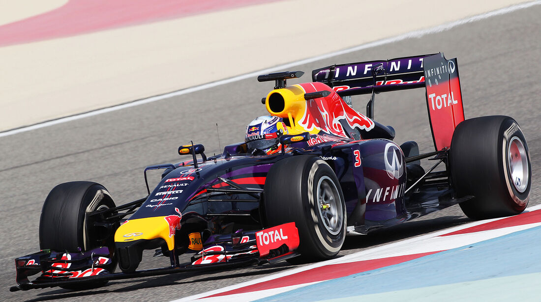 Daniel Ricciardo - Red Bull - Formel 1 - Test - Bahrain . 27. Februar 2014