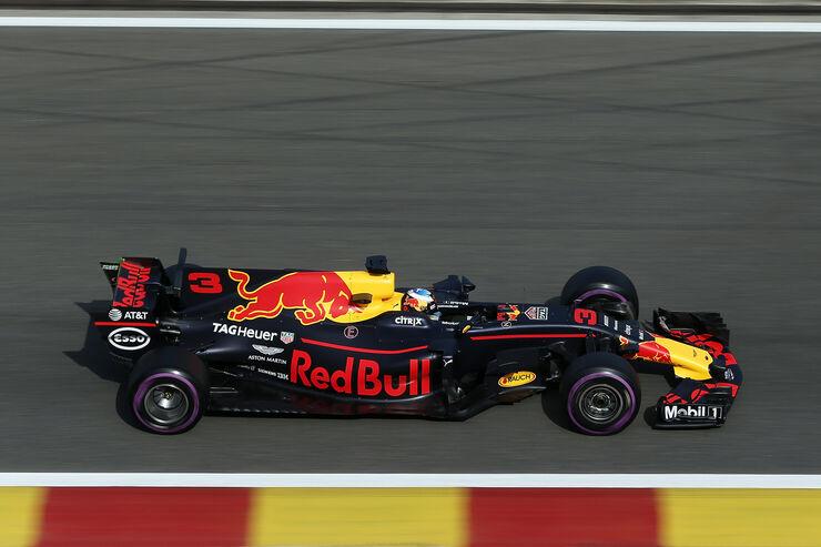 https://imgr3.auto-motor-und-sport.de/Daniel-Ricciardo-Red-Bull-GP-Belgien-Spa-Francorchamps-Formel-1-25-August-2017-fotoshowBig-fdb568cc-1113463.jpg