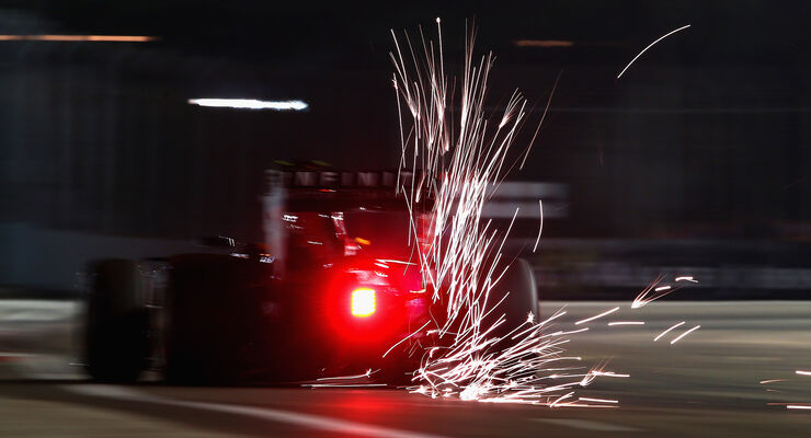 Daniil Kvyat - Red Bull - Formel 1 - GP Singapur - 20. September 2015