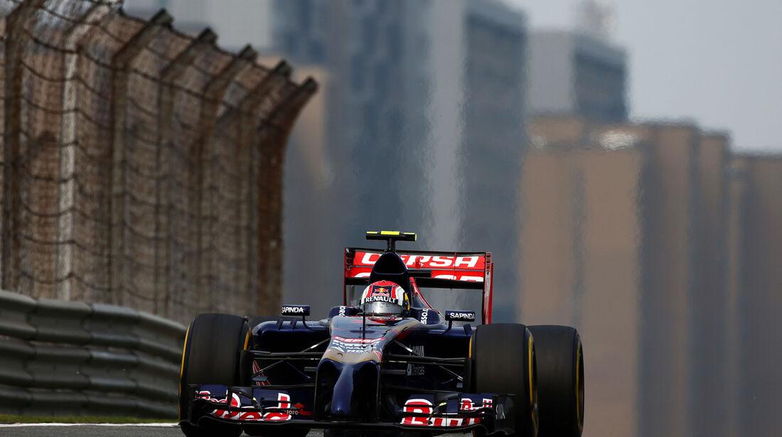 Daniil Kvyat - Toro Rosso - Formel 1 - GP China - Shanghai - 18. April 2014