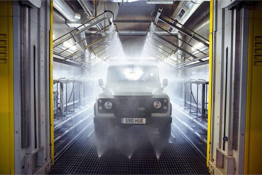 Der zweimillionste Land Rover Defender