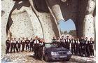 Die Fußballnationalmannschaft 1998 vor Mercedes CLK Cabrio