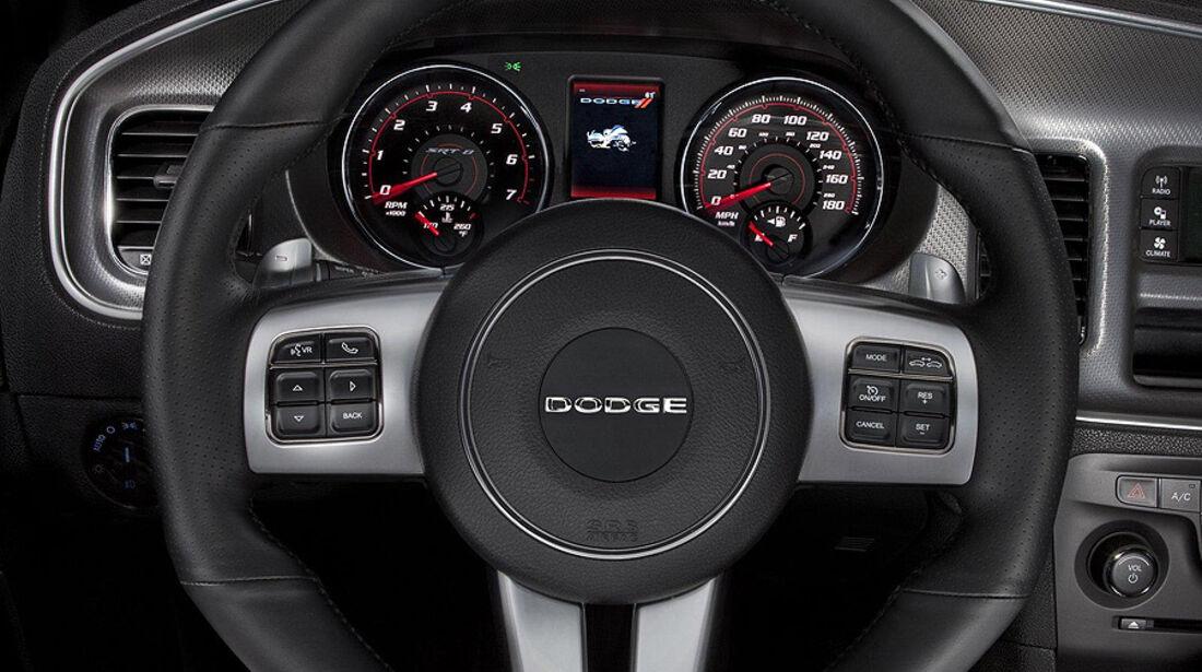 Dodge Charger SRT8 Super Bee, Cockpit, Lenkrad