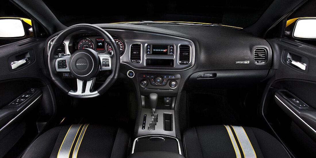 Dodge Charger SRT8 Super Bee, Innenraum, Cockpit