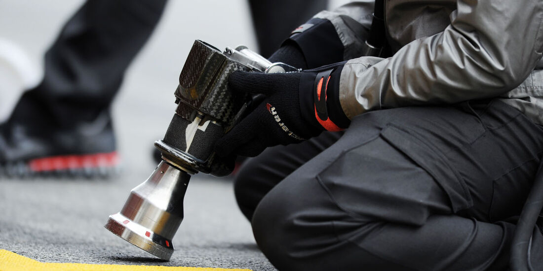 Druckluftpistole, McLaren, Formel 1-Test, Barcelona, 21. Februar 2013