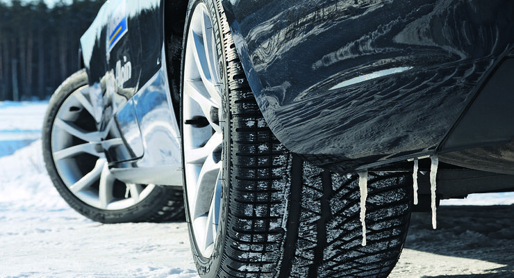 Eiszapfen am Auto