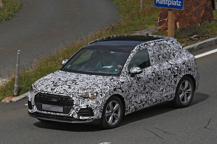 Erlkoenig-Audi-Q3-fotoshowBig-fc8becbb-1113083