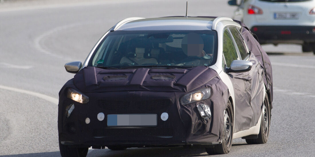 Erlkönig Kia Ceed Sportswagon Facelift