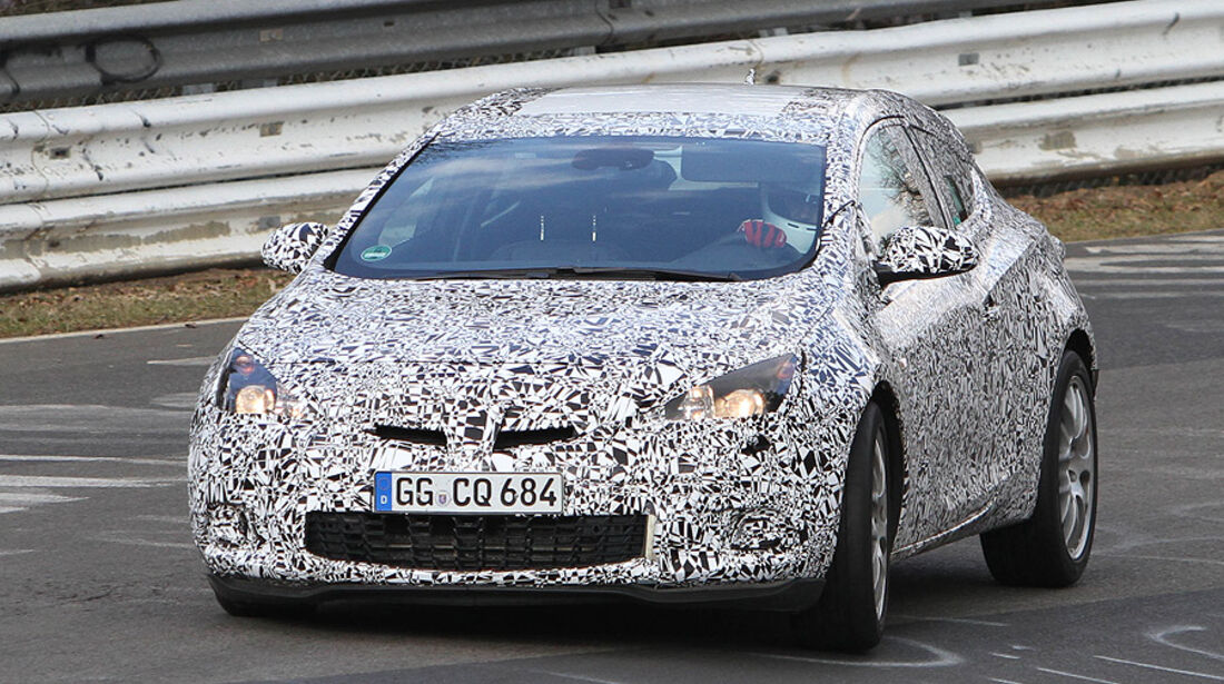Erlkönig Opel Astra GTC OPC