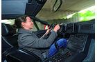 Fahrerin am Steuer des Renault Alpine V6