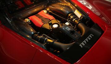 Ferrari 488 GTB, Motor