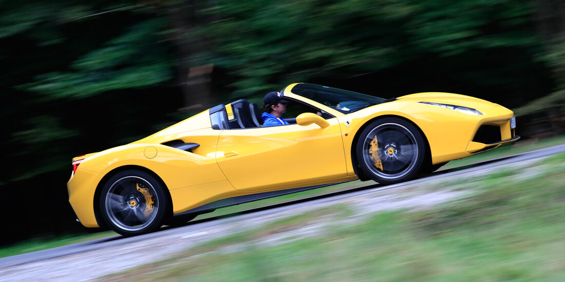 Ferrari 488 Spider, Seitenansicht
