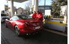 Ferrari California T, Tankstelle