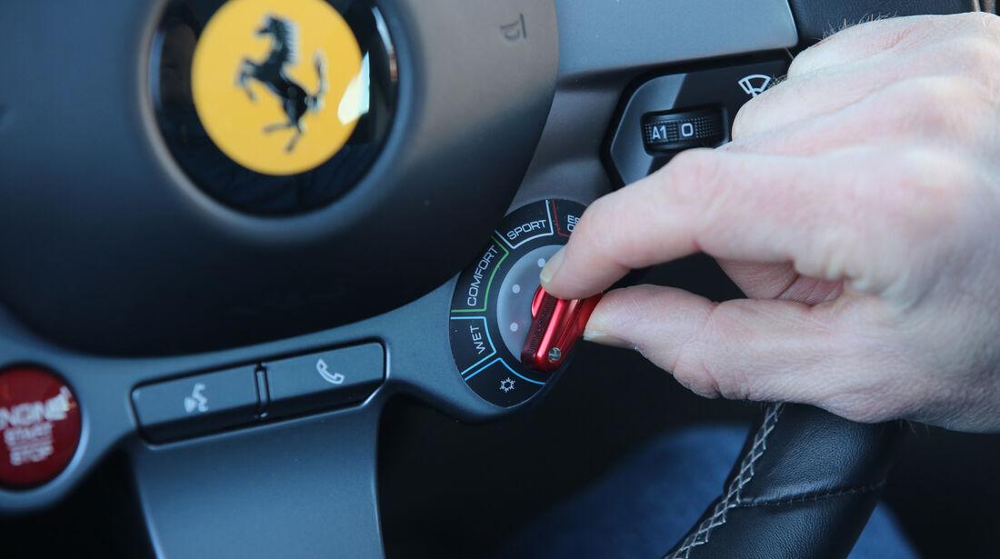 Ferrari GTC4 Lusso, Bedienelemente