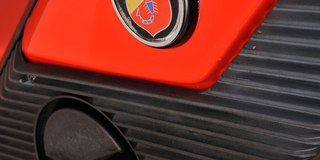 Fiat 131 Abarth, Emblem