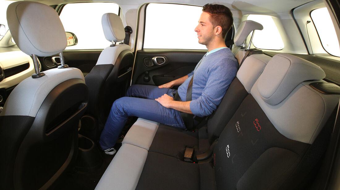 Fiat 500L 1.4 16V Pop Star, Rücksitz, Beinfreiheit
