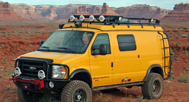 Ford Econoline E-350 4x4 Sportsmobile