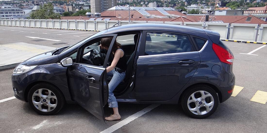 Ford Fiesta 1.4 im Innenraum-Check, Einstieg