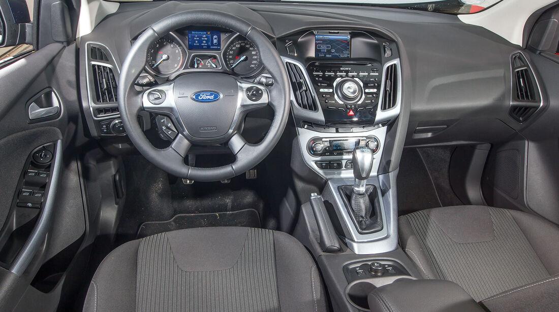 Ford Focus 1.6 Eciboost Turnier, Cockpit, Lenkrad