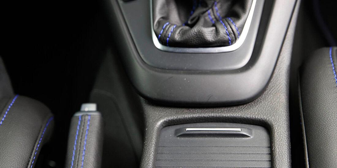 Ford Focus RS 2015, Cockpit, Innenraum, Mittelkonsole, Schlathebel