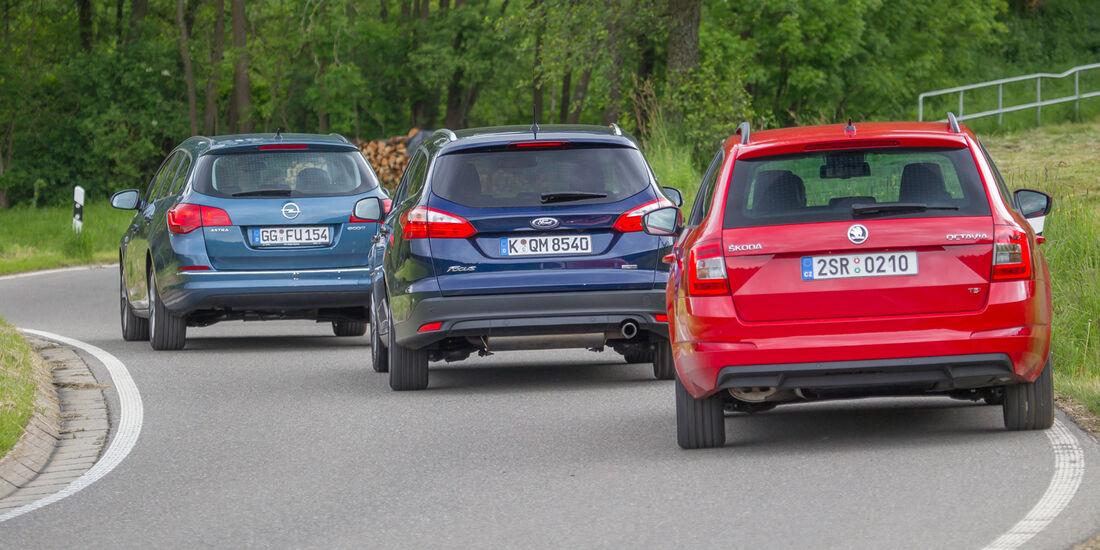 Ford Focus Turnier, Opel Astra Sports Tourer, Skoda Octavia Combi, Heckansicht