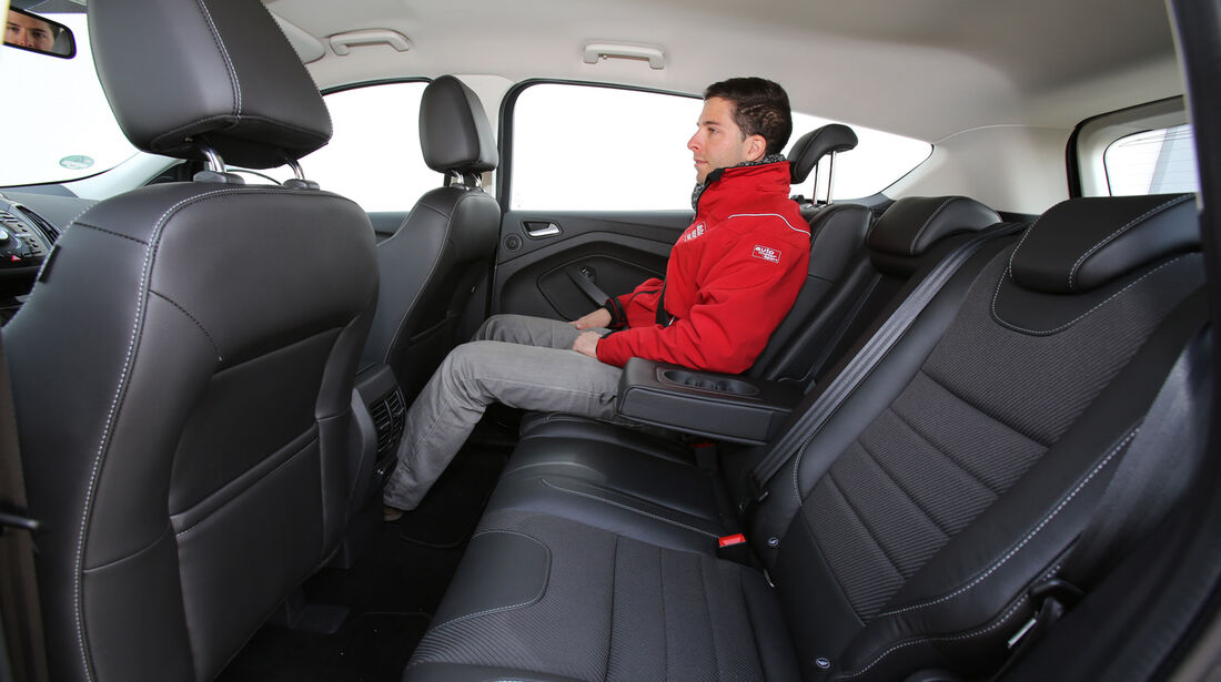 Ford Kuga 2.0 TDCi 4x4, Rücksitz, Beinfreiheit