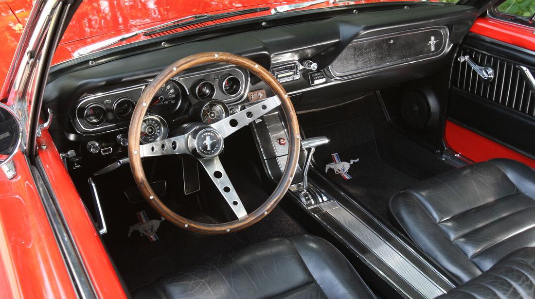 Ford Mustang Convertible, Cockpit, Lenkrad