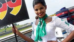 Grid Girls - GP Malaysia 2014 - Formel 16