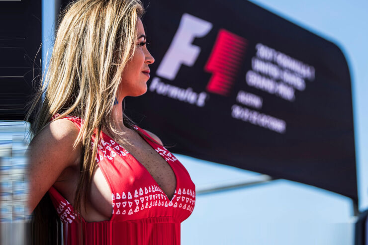 Grid-Girls-GP-USA-2017-Austin--fotoshowB