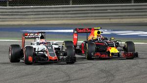 Haas vs Red Bull - GP Bahrain 2016