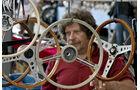Händler mit Lenkrädern auf der Klassikwelt Bodensee