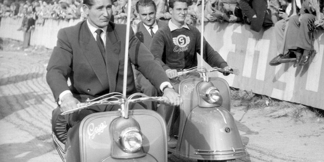Helmut Rahn auf Googo-Motorroller
