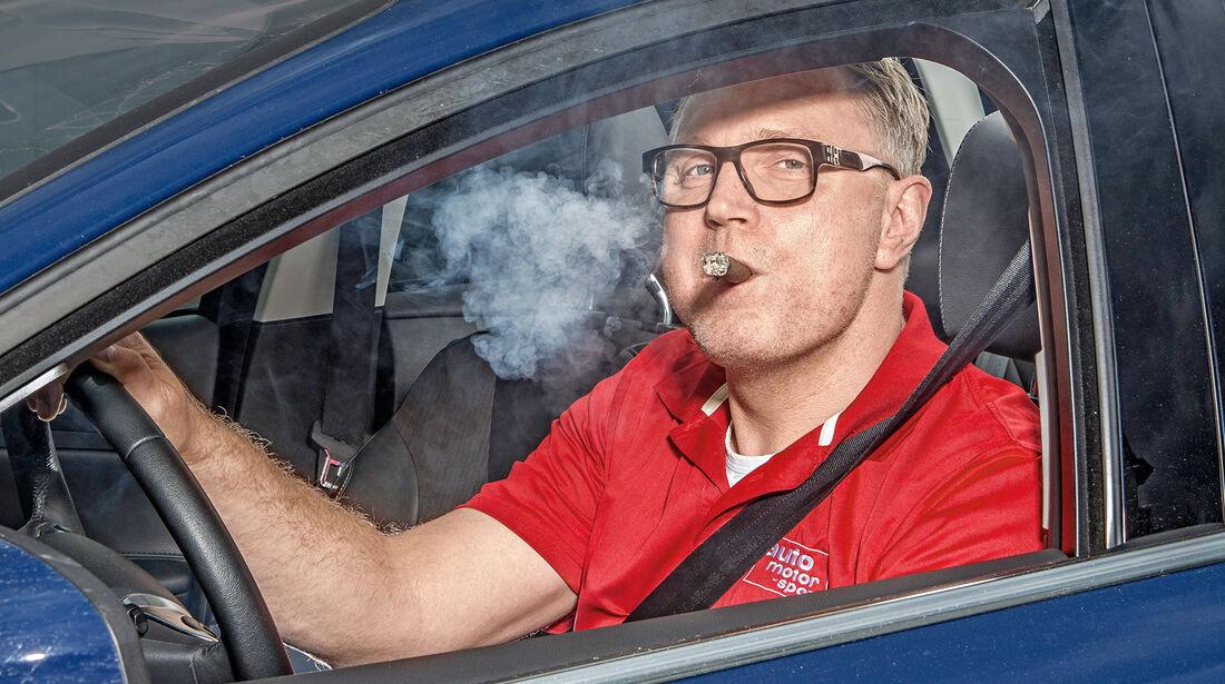 12 Geruchsentferner im Test: Was hilft, wenn es im Auto stinkt ...