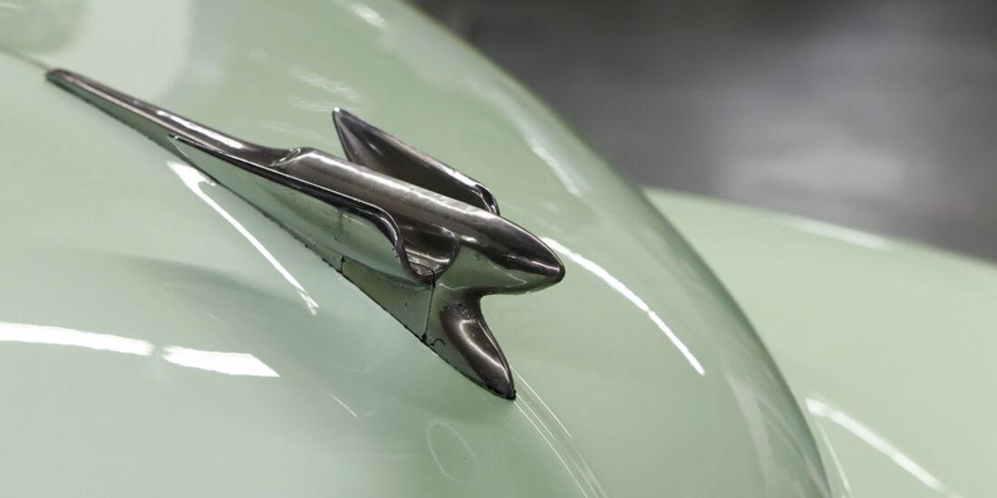Holden FJ Special Sedan, Kühlerfigur
