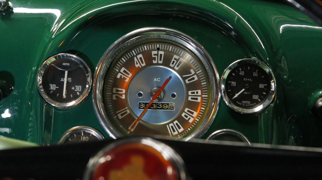 Holden FJ Special Sedan, Rundinstrumente