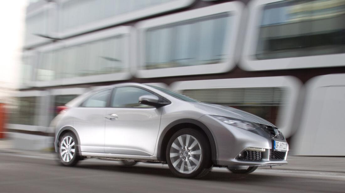 Honda Civic 2.2i-DTEC, Seitenansicht