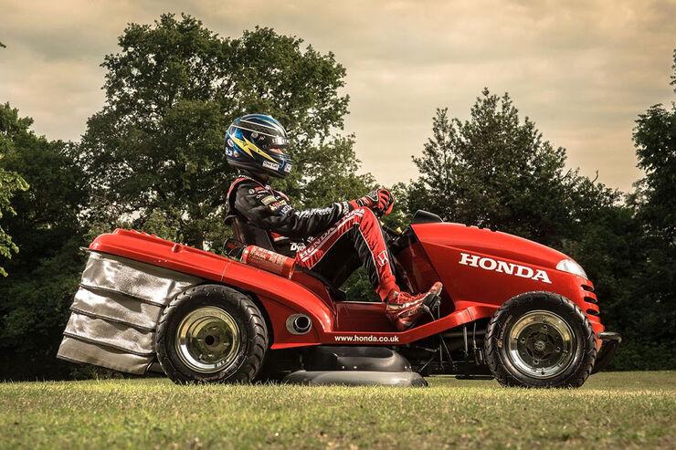 Honda Mean Mower Der Schnellste Rasenm 228 Her Der Welt